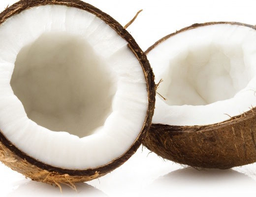 preparazione del lassi al cocco