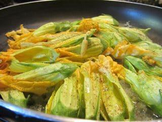 frittata-con-fiori-di-zucchine